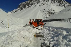 Largest Snowstorm Since 1996 Closes Major Andes Pass For 15 Days