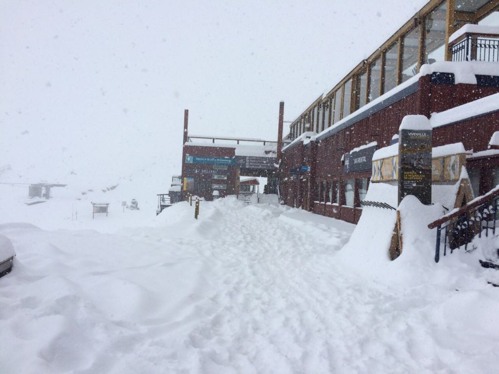snow in valle nevado May 11, 2017