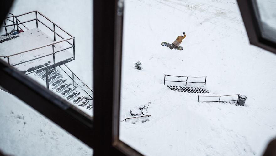 elias elhardt snowboarding in chile
