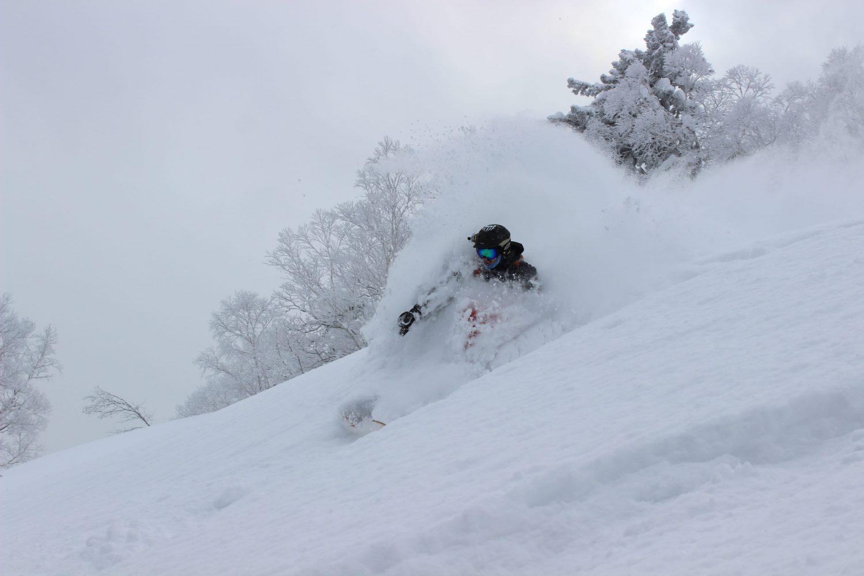 skiing hokkaido japan