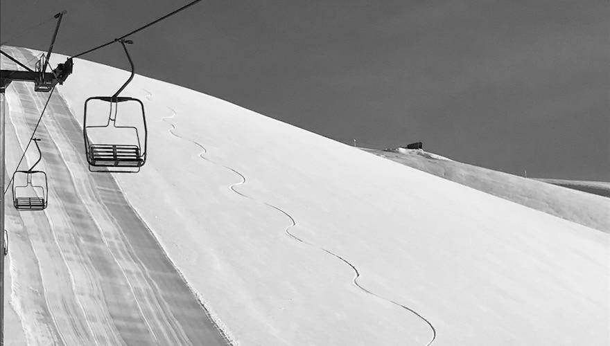 skiing powder in corralco ski resort