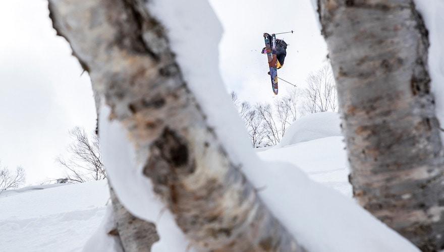 skiing japow