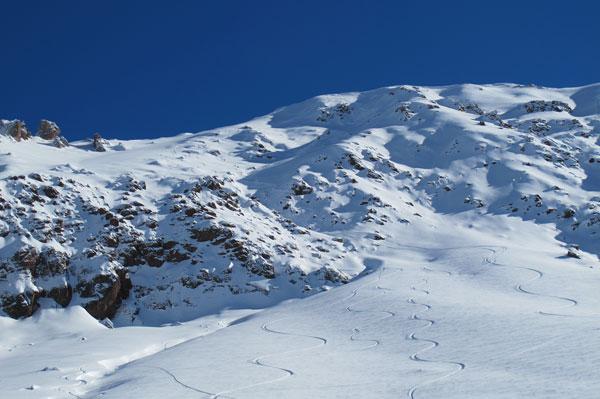 snowpowder-skiingstormchile-southamericasummer