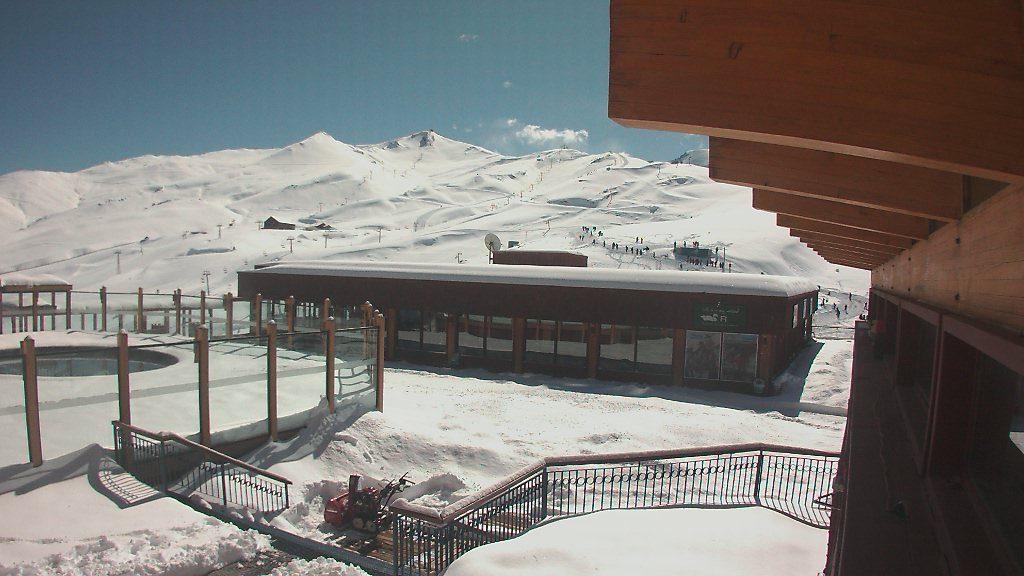 valle nevado april 25